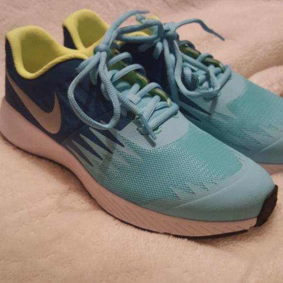 le scarpe nike nuove star runner 6y donne 75 poshmark